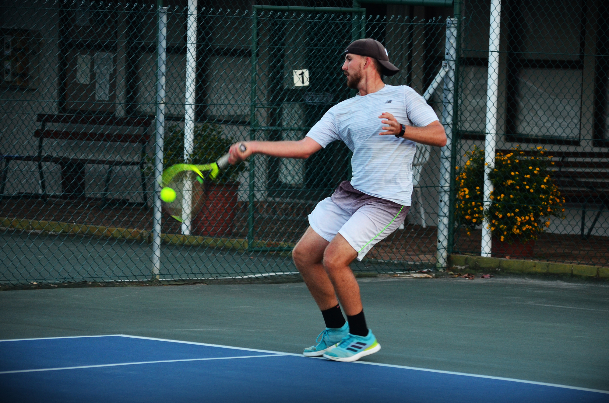 Mike forehand